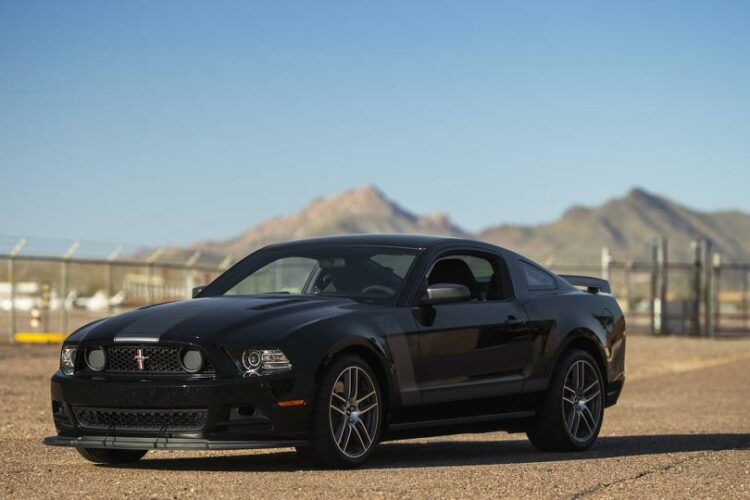2013 Ford Mustang Boss 302 Laguna Edition front-left (2)