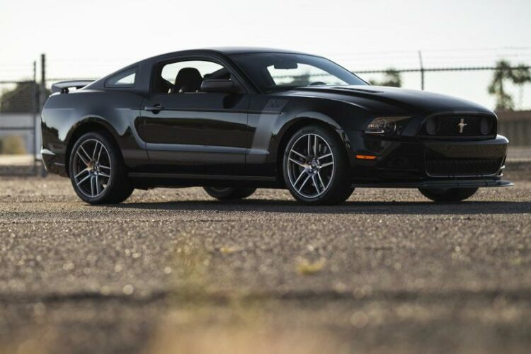 2013 Ford Mustang Boss 302 Laguna Edition front-right (3)