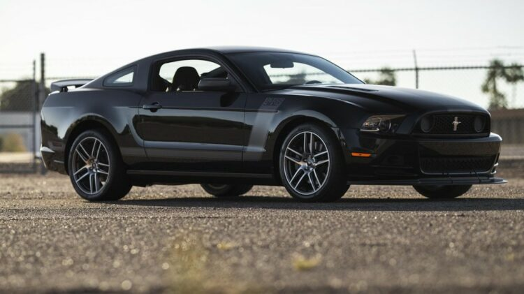 2013 Ford Mustang Boss 302 Laguna Edition front-right