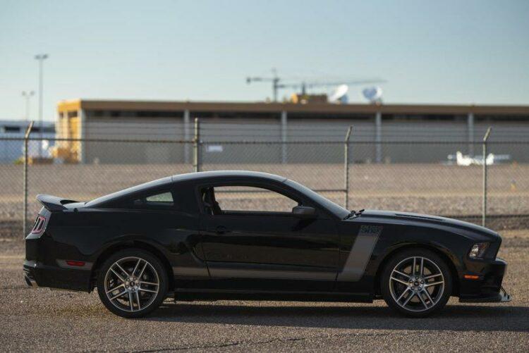 2013 Ford Mustang Boss 302 Laguna Edition right