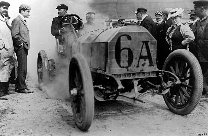Jenatzy driving a 120-hp Mercedes racer at the 1906 French Grand Prix