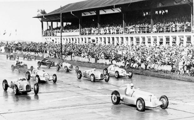 Start of the International Eifel race on the Nurburgring on June 16, 1935