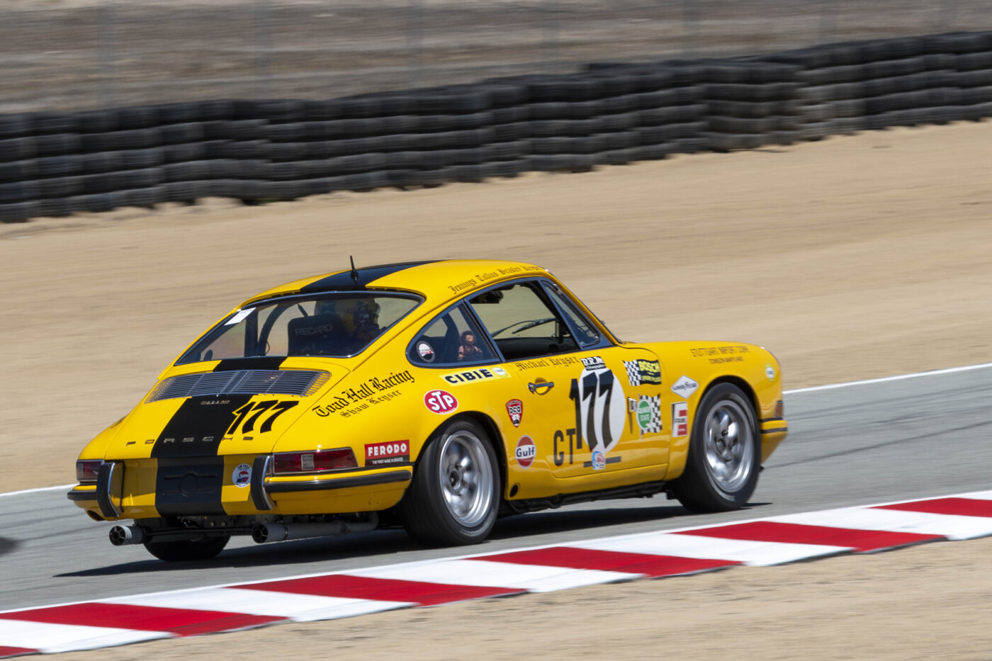 Group 2: 1961-1966 GT under 2500cc - Kevin Buckley charges to turn 6 in his 1967 Porsche 911S - ©Rex McAfee