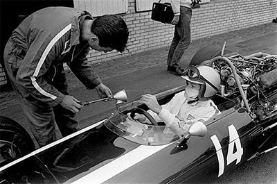 John Surtees, Cooper-Maserati T81, 1966 Italian Grand