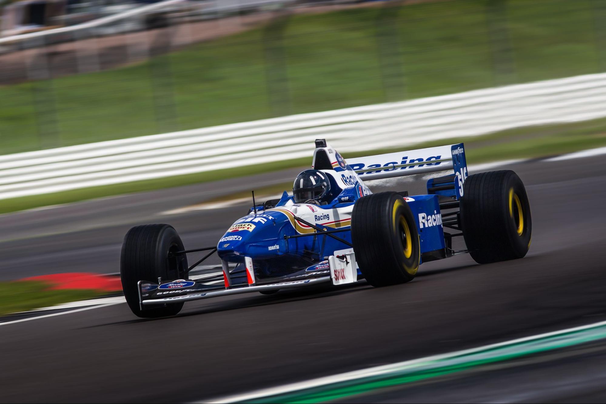 Damon Hill driving the Williams FW18