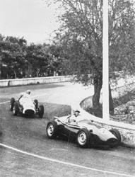 Brooks lapping the Ferrari of Scarlatti