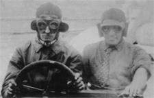 Walter Christie and mechanic at the start of the 1905 race.