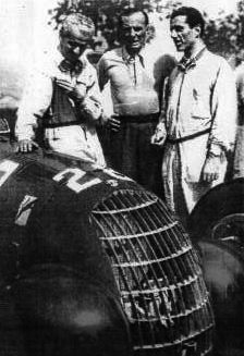 Varzi with Villoresi and Pintacuda in Retiro, Buenos Aires, Argentina