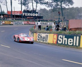 Ford GT40 Mark IV won 1967 24 Hours of Le Mans