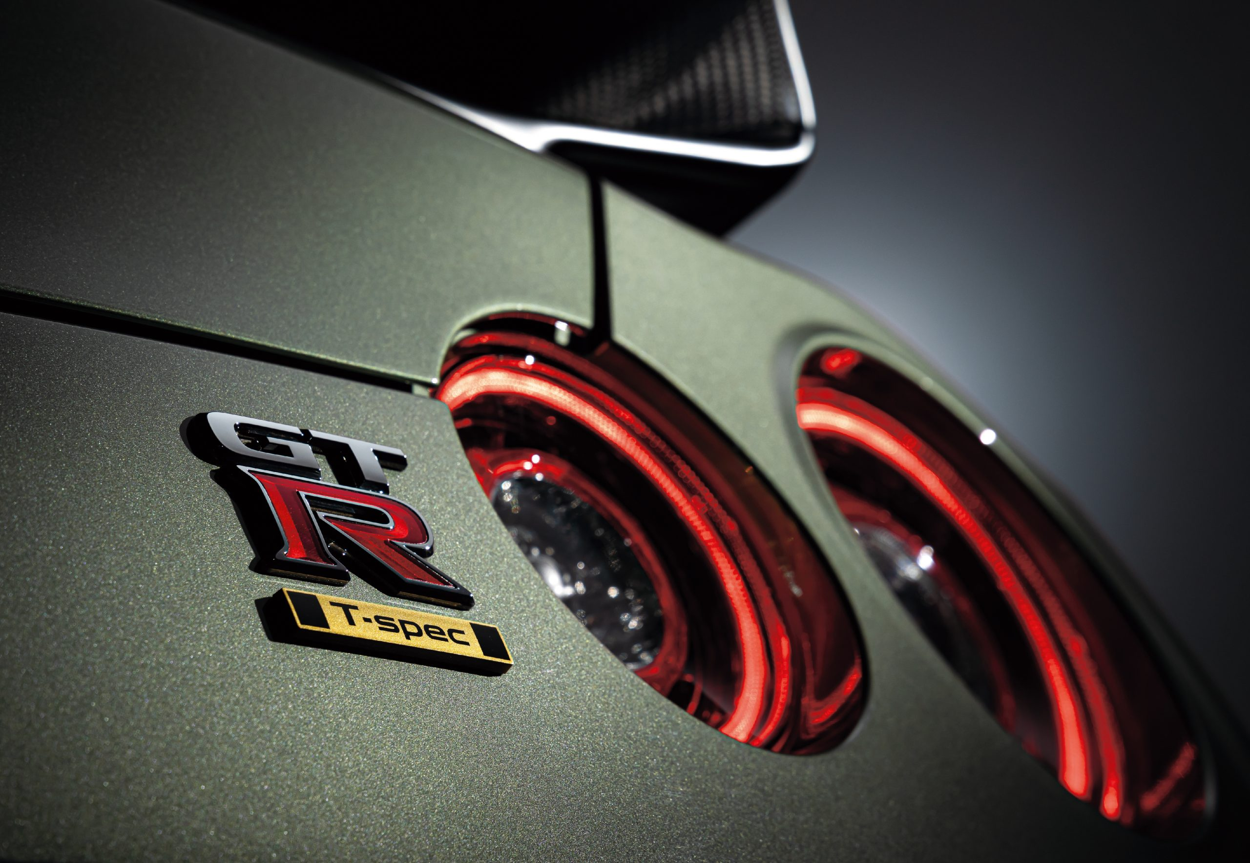 GT-R Track edition engineered by NISMO T-spec_exclusive badge