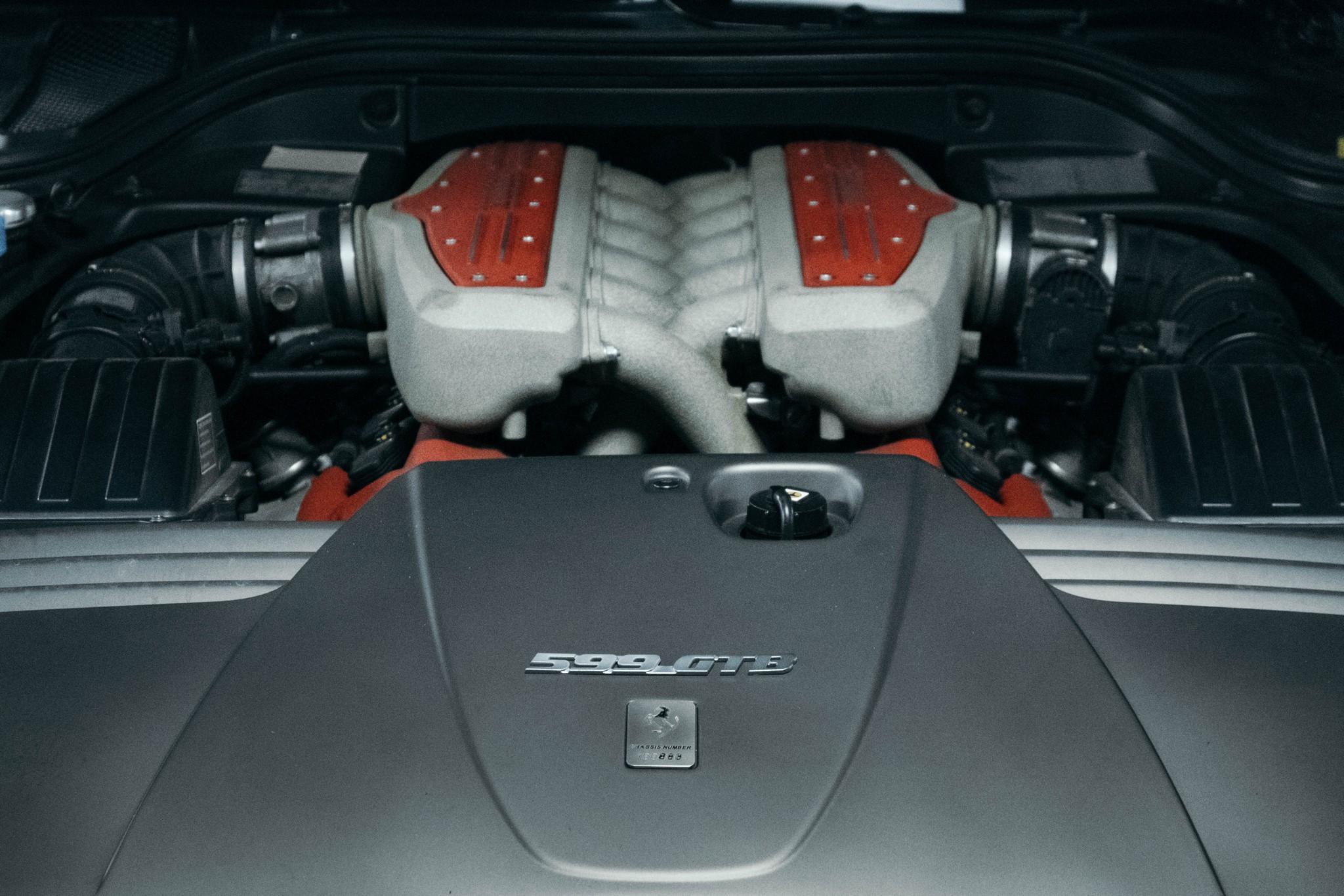 Ferrari 599 GTB Fiorano F140 V12 Engine.