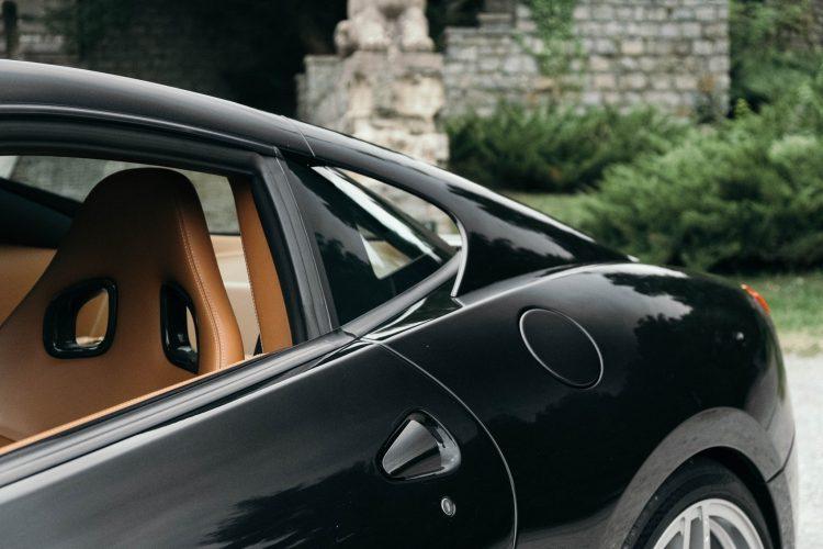 Ferrari 599 GTB Fiorano aerodynamic buttress.