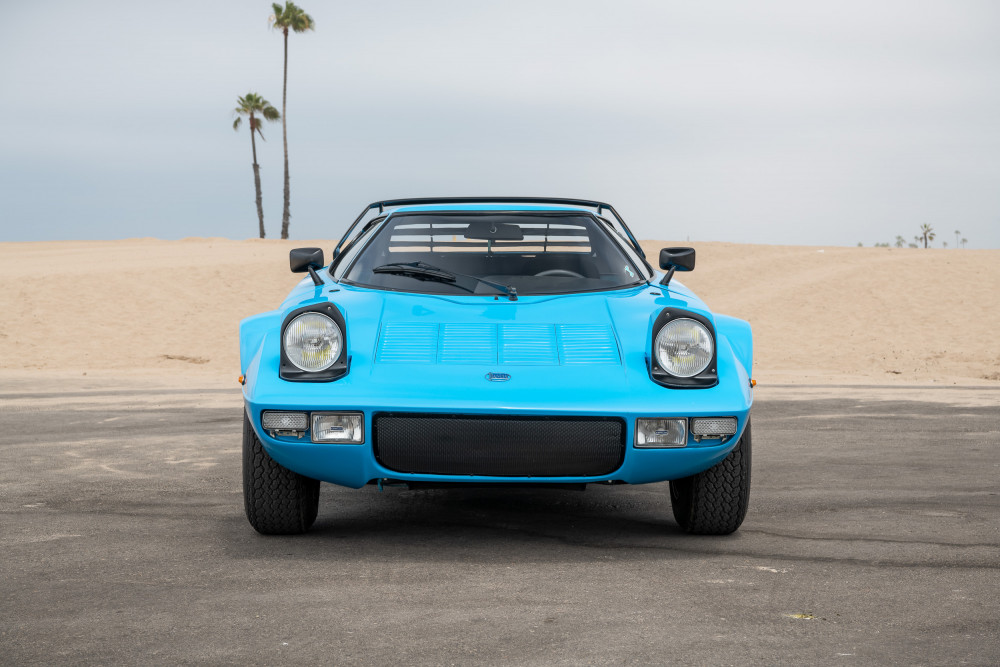 Front view of Lancia Stratos in Azzurro blue
