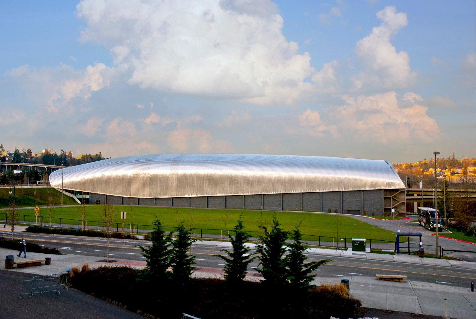 An outdoor view of the 165000 sq ft facility at the LeMay museum.